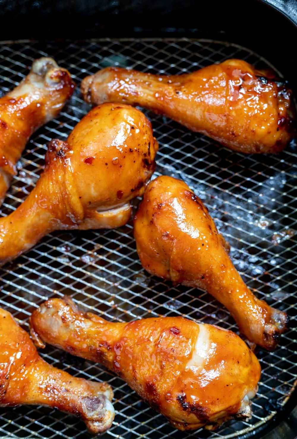 bbq glazed chicken legs in air fryer basket