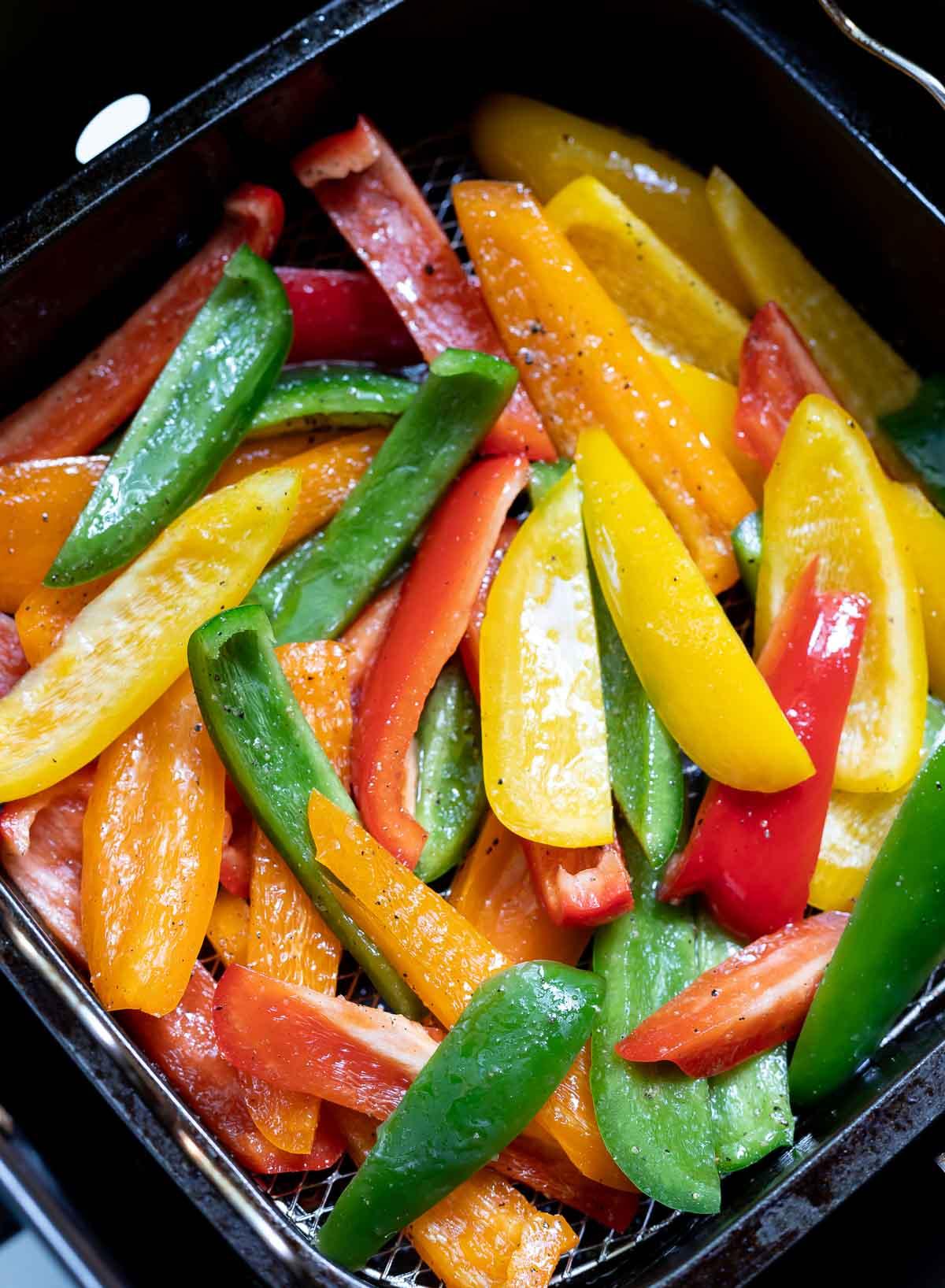 bell pepper strips in air fryer basket