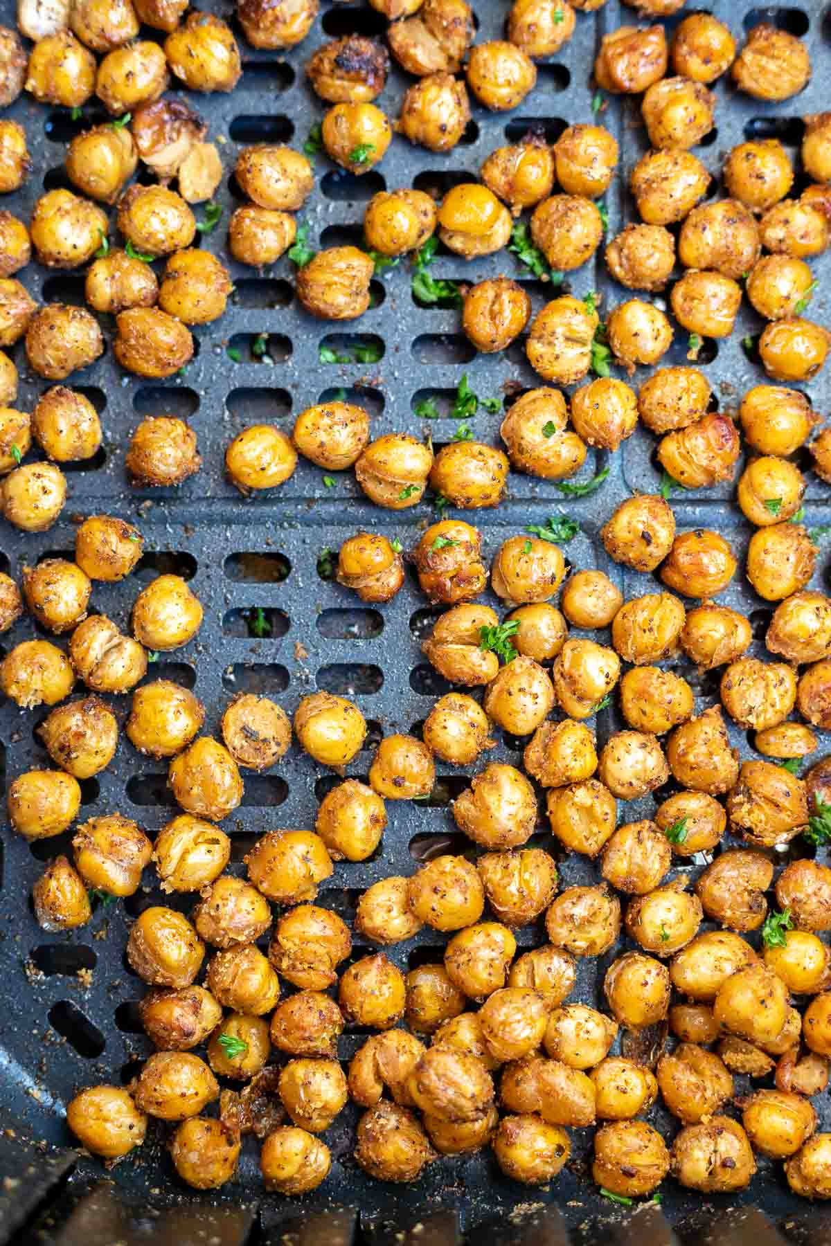 roasted chickpeas in air fryer basket